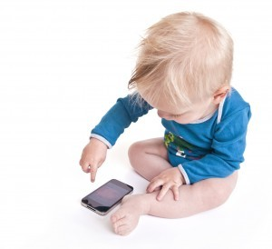 baby-and-smartphone-300x274